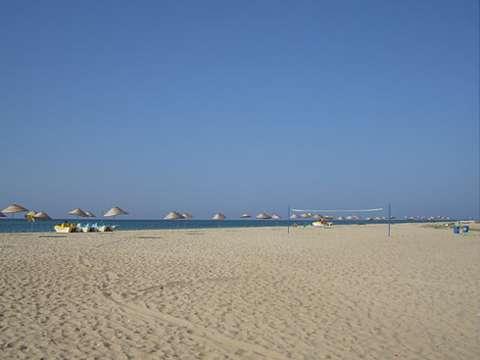 Krasnodar Bölgesindeki kumlu plajları olan tatil beldeleri nedir