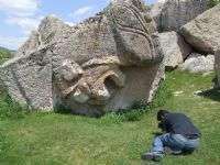 yılantaş mezarı.1